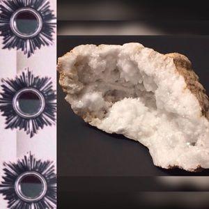 ✔️Out🆕Item • Large Quartz Geode Specimen